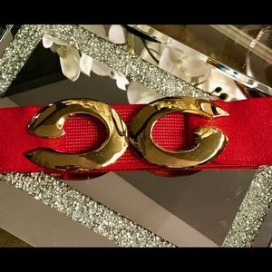 Art deco red elastic belt with gold buckle